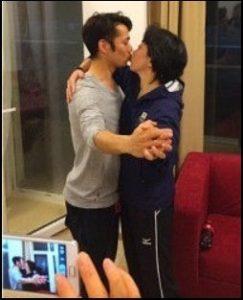 橋本聖子のキス写真